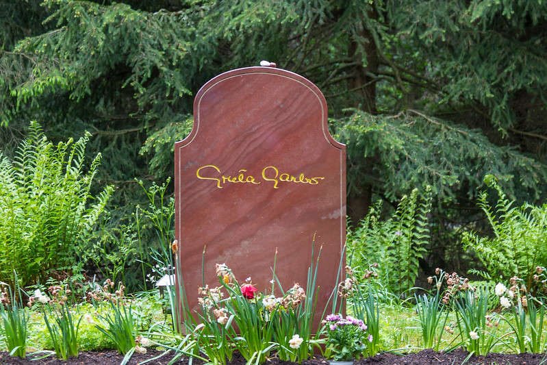 tomba di Greta Garbo a Skogskyrkogården